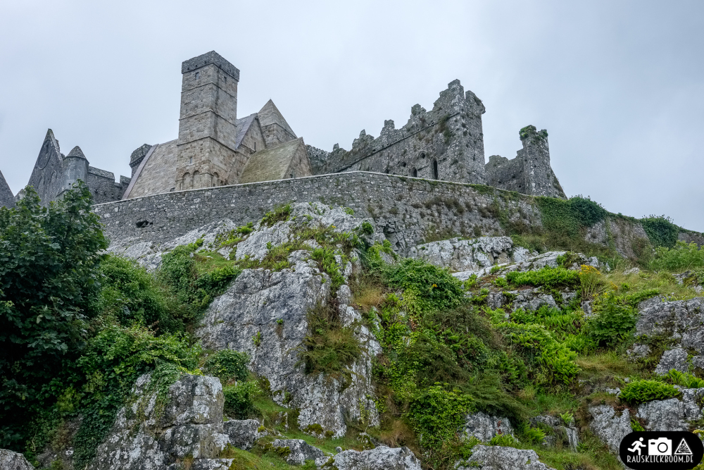 Irland-Rock_of_Cashel-1
