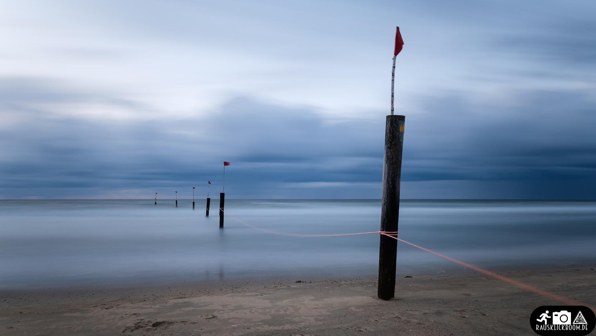 Langzeitbelichtung von Wasser an der Nordsee- Strand von Norderney